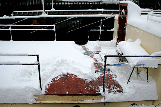 foot of snow on Hendrik's deck