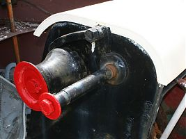 Anchor winch with red ends