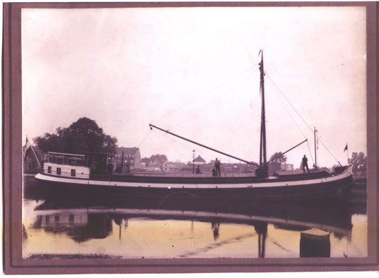 Tijdgeest coming out of the boatyard in 1933